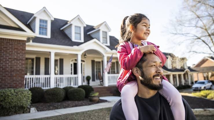 Mua được nhà lúc trẻ là thành công?