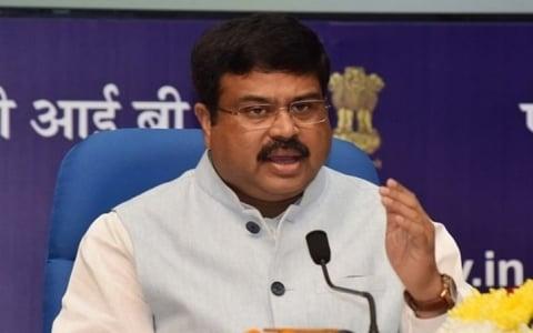 Ấn Độ muốn giảm sự phụ thuộc vào dầu mỏ từ Ả Rập