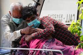 Những nỗi tuyệt vọng bên ngoài bệnh viện Ấn Độ