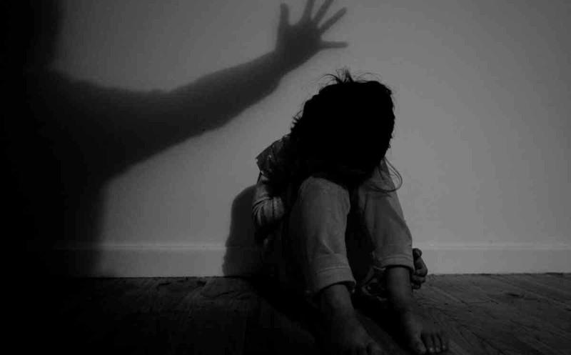 Bé gái 5 tuổi tử vong nghi bị hiếp dâm, bóp cổ đến chết (Ảnh minh họa)