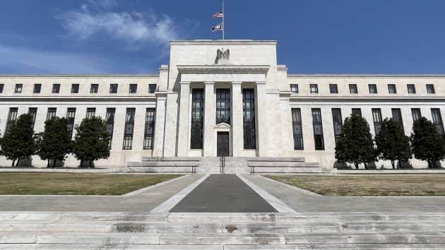 Tiền kỹ thuật số do ngân hàng trung ương phát hành có làm 'thay đổi cuộc chơi'? (Ảnh: CNBC)