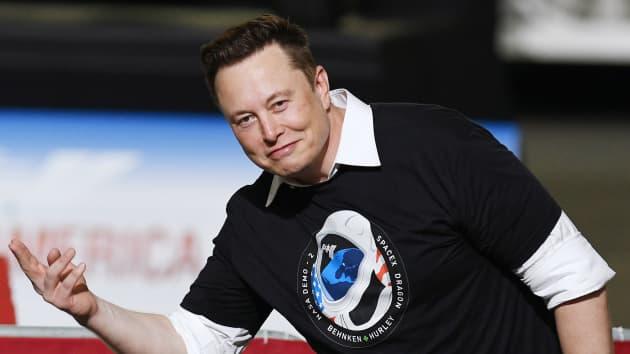 Công ty vũ trụ của Elon Musk chấp nhận Dogecoin làm phương tiện thanh toán (Ảnh: CNBC)
