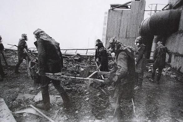 Dọn dẹp Nhà máy điện hạt nhân Chernobyl sau tai nạn