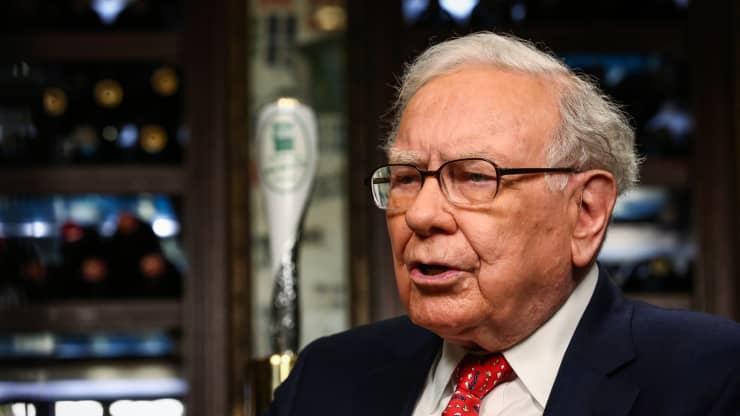 Warren Buffett: Những doanh nghiệp hoạt động tốt nhất trong thời kỳ lạm phát cao (Ảnh: CNBC)