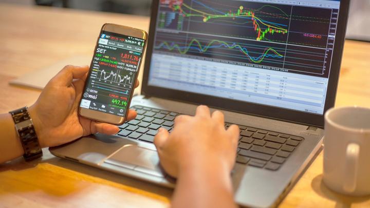 Cổ phiếu được khuyến nghị ngày 31/8: CRE, NTP, APH, FPT