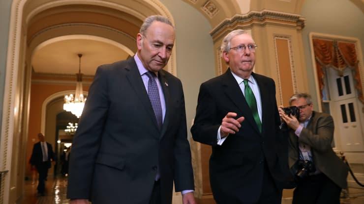 Sau nhiều giờ thảo luận, Quốc hội Mỹ đã đạt thỏa thuận nâng trần nợ trong 2 tuần tới (Ảnh: CNBC)