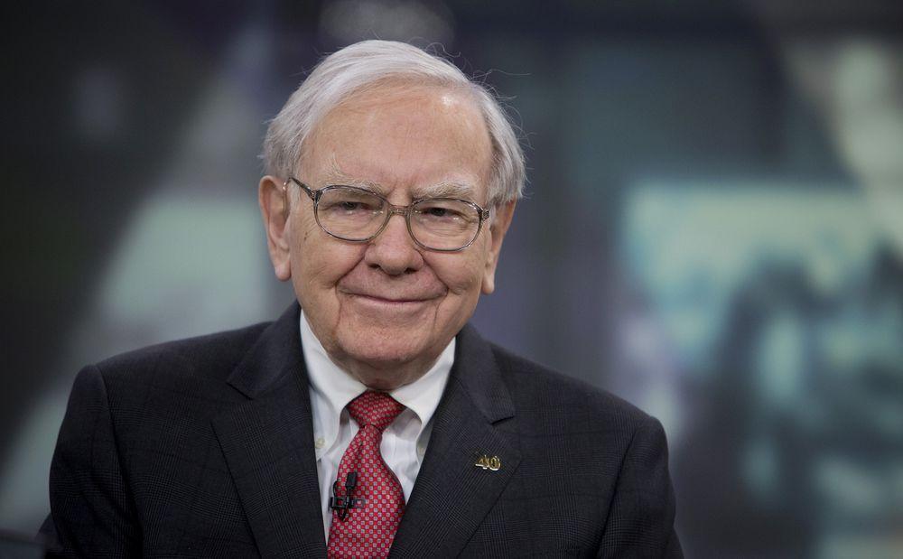 Lối sống bình dị của tỷ phú Warren Buffett: Không phải cứ giàu là tiêu xài hoang phí