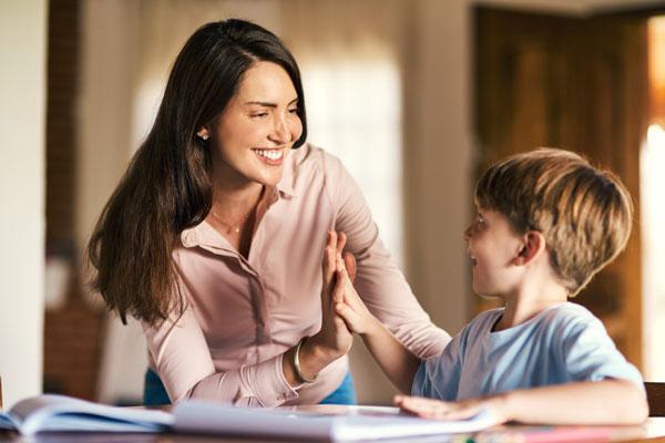 10 nguyên tắc lịch sự tối thiểu cha mẹ cần dạy con sớm để trẻ lớn lên không 'kém duyên'
