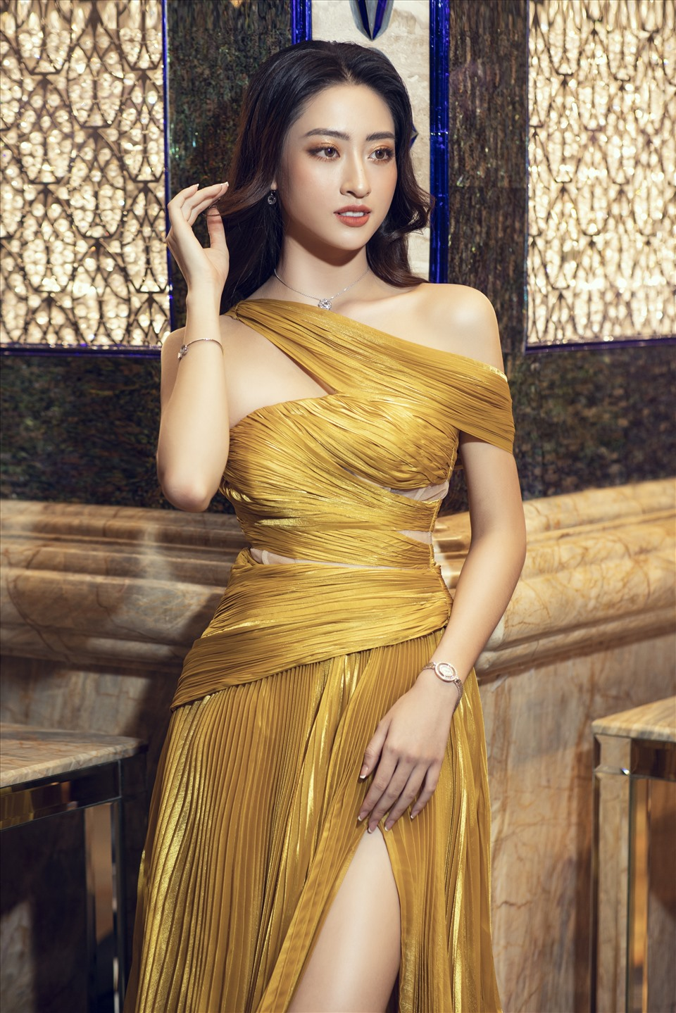 luong-thuy-linh-1-4