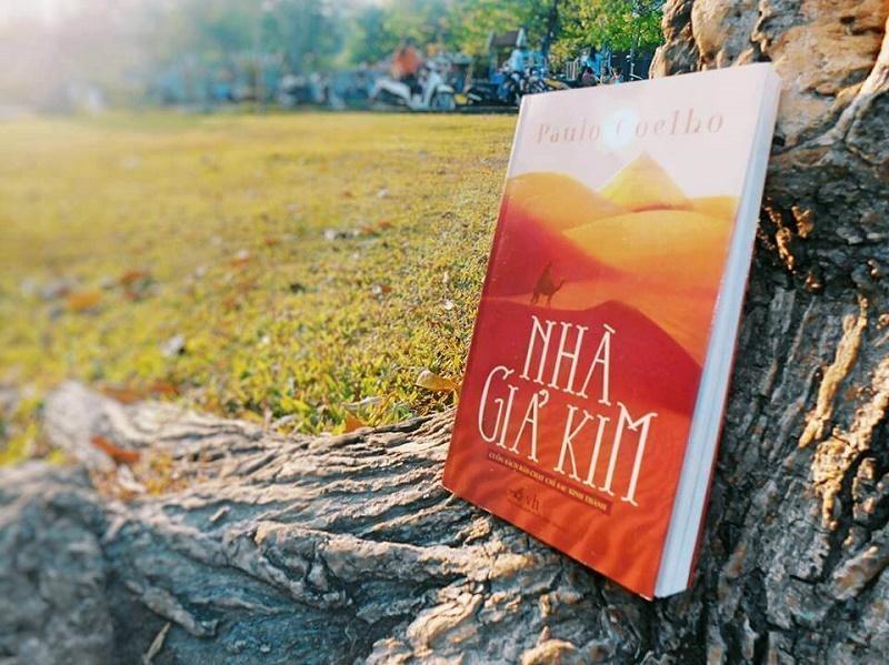 Những trích dẫn hàm chứa triết lý sống sâu sắc trong cuốn Nhà Giả Kim – Paulo Coelho