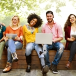 Người trẻ nên làm việc vì tiền, đừng sáo rỗng nói 'làm việc vì đam mê'