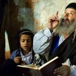 3 yếu tố làm nên thành công của người Do Thái đúc kết nhờ câu hỏi: 'Nếu nhà cháy, con sẽ đem theo vật gì?'