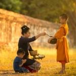 Người tu Phật không được phép dính mắc những vật thọ dụng