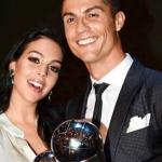 Cận cảnh nhan sắc nỏng bỏng của 'bóng hồng' bên cạnh Cristiano Ronaldo