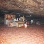 Hành hương về chùa 'không sư' linh thiêng trong hang đá núi lửa nghìn năm tuổi trên đảo Lý Sơn