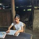Cô học trò hiếu thảo không dám đi học đại học vì nhà nghèo, chỉ mong có tiền chữa bệnh cho mẹ