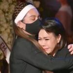 Tâm sự nghẹn ngào của Việt Hương trong tang lễ ca sĩ Phi Nhung ở Mỹ