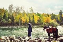 Đường dài mới biết ngựa hay, ở lâu mới hiểu thẳng ngay lòng người