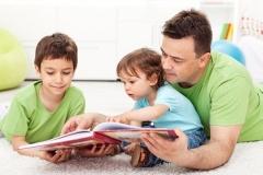 Khoa học chỉ ra: Trẻ ở bên bố càng nhiều càng thông minh và dễ thành công trong tương lai