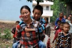 8 câu chuyện có thật về sự hy sinh của cha mẹ khiến cả thế giới rơi lệ